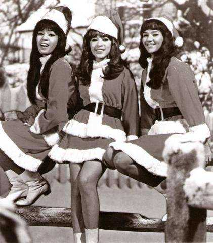Blog: 24 Songs of Christmas, Dec. 1: 'Sleigh Ride' -- The Ronettes ...