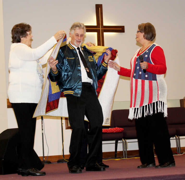 Quilts of Valor warm hearts of local veterans, others