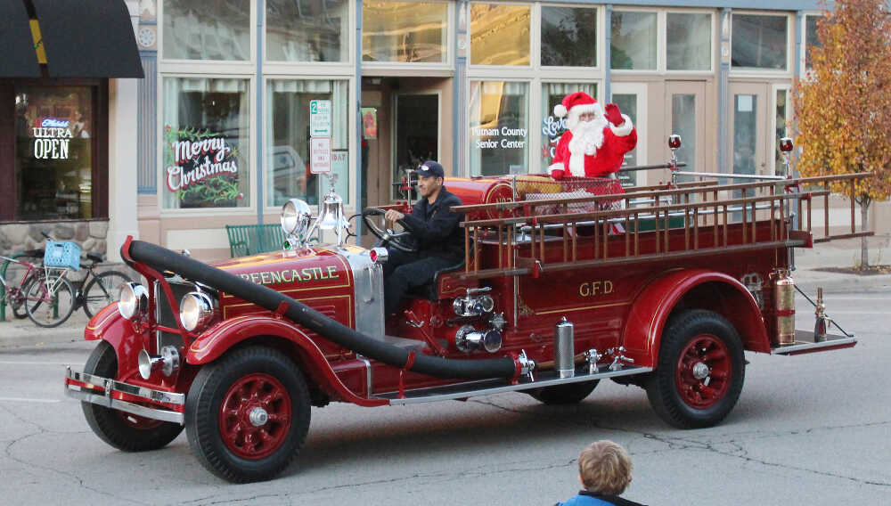 Santa to visit, ride with GFD Dec. 16