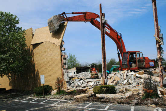 Local News: Mallory building comes down (4/22/11